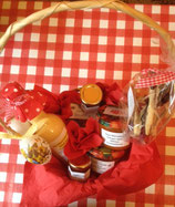 Korb groß mit Marmelade und Likör--- Korb 2