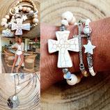 Bracelet de perles bois et croix taille moyenne écrue