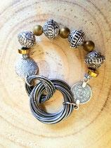 Bracelet ethnique multicercles enlacés et perles argentées