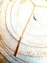 Chaîne en acier inox dorée en Y avec pendentif tige carrée