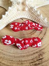 Barrette rouge à fleurs blanches #5