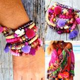 """Bracelet """" Mamaquilla"""" en 4 tours rose et violet à pompon rose PARME"""