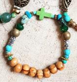 Bracelet fin petite croix howlite verte #1