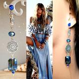 Boucles d'oreilles TOSCA BLUE  - cristal irisé bleu estampe argentée