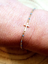 Bracelet en chaîne dorée acier inox perlée gris et croix dorée