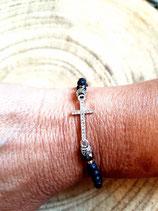 Bracelet  noir avec petite croix strassée