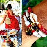"""Bracelet """" Mamaquilla """" en 3 tours noir écru et rouge"""