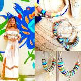 Créoles en métal argenté et perles HEISHI  multicolores corail