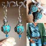 Boucles d'oreilles perles indiennes cerclées turquoise