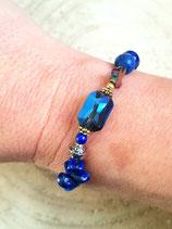Bracelet lapis bleu , cristal irisé et croix hématite