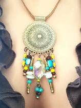 Collier médaillon doré perles en breloques et cristal citron