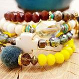 "Bracelet "" Mamaquilla ""  jaune , kaki , brun"