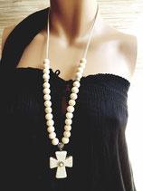 Sautoir écru lien perles de bois sur simili cuir et grande croix howlite