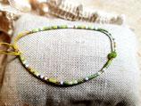Bracelet fin miyuki écru , doré et vert