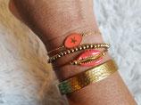 Bracelet chaine fine acier et médaillon ovale corail