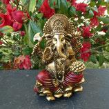 Ganesh doré sur lotus