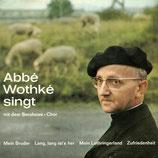 Abbé Wothké singt mit dem Beruhawe Chor