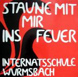 Schülerinnen der Internatschule Wurmsbach bei Rapperswil - Staune mit mir ins Feuer