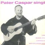 Pater Caspar singt