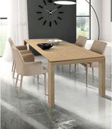 Tavolo moderno in legno rovere chiaro