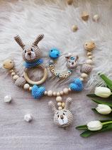 Geschenkset Hase -- Schnullerkette, Rasselring, Kinderwagenkette