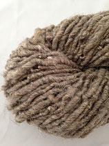 Teppichwolle braun