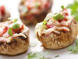 Gefüllte Kartoffel mit Käse überbacken, Gemüse