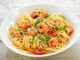 Spaghetti Mama Elena mit Lachs, Schrimps, Rucola, Sahne und Salat