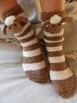 Schäfchen-Socken mit Stoppersohle