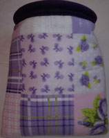 Muster Kuschelsack  Variante lila, Retromuster in lila, flieder, rosa, weiß und grün auf weißem Untergrund, Innenseite Fleece, dkl. lila