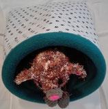 Kuschelsack 15, normal,  Kleine schwarze Pfötchen auf weißem Untergrund, Innenseite Fleece, petrol