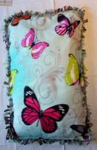 Raschelkissen Schmetterlinge, lindgrüner Untergrund, Rückseite hellgrau ca. 85x53 cm in Knotentechnik