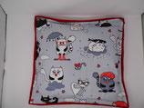 Raschelkissen Fat Cats mit Schirm, Rückseite kirschrot ca 48 x 45 cm