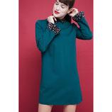 Vestido verde recto con cuello combinado setas