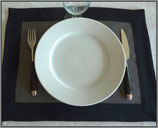 Set de table : Gris bord noir
