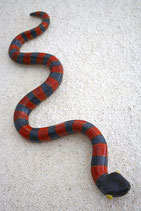 Schlange für Wand rot schwarz