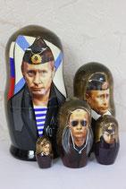 Матрешка  Путин в тельняшке