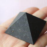 SCHUNGIT pyramid 4x4 matt