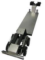 Tieflader mit lenkbarer Hinterachse. Das Modell kann in Verbindung mit der Artikel-Nr. 110 zum Anhänger ausgebaut werden.
