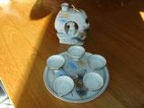 Service a Saké en porcelaine fine origine Japon vers 1950