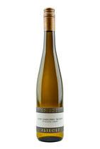 """2018 Chardonnay trocken """"Gesellenstück""""                                           im Tonneau vergoren und gereift."""