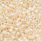 Delica 11/0   (DB157) Crema Opaque AB
