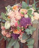 Blumenstrauß mit Schnittblumen der Saison + Grußkarte