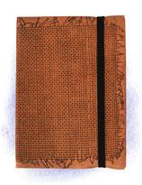 Leder-Blankobuch: Gewebedekor (15x11cm, 148 Seiten, liniert)