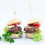 Mini Burger mit Tomate und Gurke