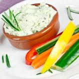 Gemüsestick-Platte mit Frischkäse-Kräuter-Dip