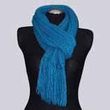 Schöner, langer, blauer Großstrick-Schal