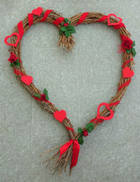 grosses REBENHERZ mit Rosenblüten und Herzen