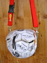 Balltasche aus einem Fußball
