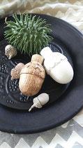 Weiße Eichel aus Mangoholz, Gr.1, IB Laursen